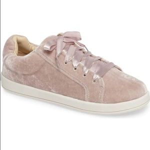 New Sam Edelman Kids Sneaker Size 3